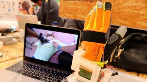 Universitarios crean prototipo de guante para medir signos vitales